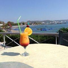 Отель Elpida Beach Studios бассейн фото 3