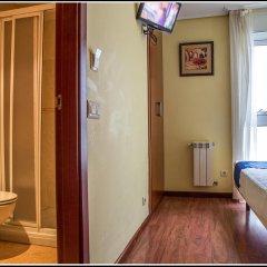 Отель Hostal Hotil ванная