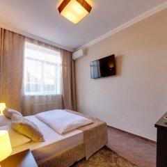 Гостиница Мартон Стачки комната для гостей фото 5
