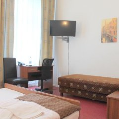 Отель Amelie Berlin Германия, Берлин - 2 отзыва об отеле, цены и фото номеров - забронировать отель Amelie Berlin онлайн удобства в номере фото 2