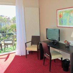 Отель Carlton 3* Улучшенный номер с различными типами кроватей фото 6