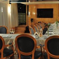 Отель Plutitor Danubius Pontic Болгария, Свиштов - отзывы, цены и фото номеров - забронировать отель Plutitor Danubius Pontic онлайн гостиничный бар