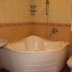 Гостиница On 50let Oktyabrya 3/1 в Тюмени отзывы, цены и фото номеров - забронировать гостиницу On 50let Oktyabrya 3/1 онлайн Тюмень ванная