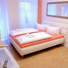 Отель City Guesthouse Pension Berlin 3* Стандартный семейный номер с разными типами кроватей фото 5