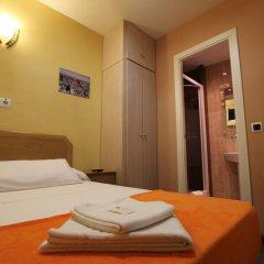 Отель Hostal Regio Стандартный номер с различными типами кроватей фото 14