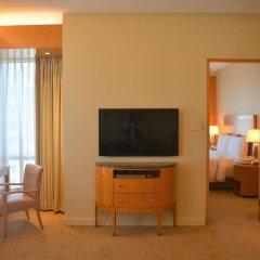 Four Seasons Hotel Mumbai 5* Представительский люкс с различными типами кроватей фото 5