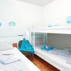Арт-хостел Сквот Стандартный семейный номер с разными типами кроватей (общая ванная комната)