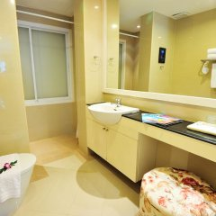 Отель The Beach Boutique House 3* Улучшенный номер с двуспальной кроватью фото 3