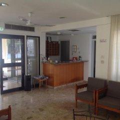 Отель Sea 'n Lake View Hotel Apartments Кипр, Ларнака - 1 отзыв об отеле, цены и фото номеров - забронировать отель Sea 'n Lake View Hotel Apartments онлайн интерьер отеля