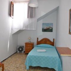 Отель Pensión Eva Номер с общей ванной комнатой с различными типами кроватей (общая ванная комната) фото 3