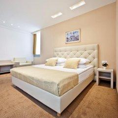 Hotel Central 3* Улучшенный номер с двуспальной кроватью фото 2