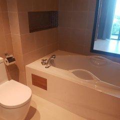 Отель At The Tree Condominium Phuket ванная