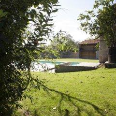 Отель Casas do Ermo бассейн