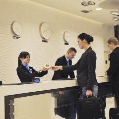Отель DoubleTree by Hilton Hotel Lodz Польша, Лодзь - 1 отзыв об отеле, цены и фото номеров - забронировать отель DoubleTree by Hilton Hotel Lodz онлайн интерьер отеля фото 2