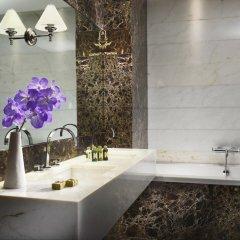 The First Luxury Art Hotel Roma 5* Номер категории Премиум с двуспальной кроватью фото 3