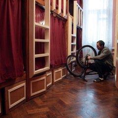 Хостел Fight night (закрыт) Кровать в общем номере с двухъярусными кроватями фото 5