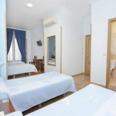 Отель Hostal Biarritz Испания, Мадрид - отзывы, цены и фото номеров - забронировать отель Hostal Biarritz онлайн комната для гостей