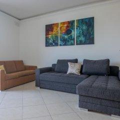 Отель SeaView Apartment in Saint Thomas Bay Мальта, Марсаскала - отзывы, цены и фото номеров - забронировать отель SeaView Apartment in Saint Thomas Bay онлайн комната для гостей фото 4