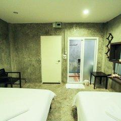 Отель At smile house 2* Стандартный семейный номер с двуспальной кроватью фото 6