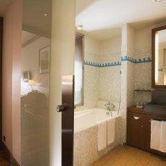 Radisson Blu Hotel Champs Elysées, Paris 5* Номер Делюкс с различными типами кроватей фото 2
