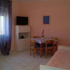 Отель Le Onde Residence Кастельсардо комната для гостей фото 4
