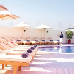 Mövenpick Hotel Bur Dubai бассейн фото 2