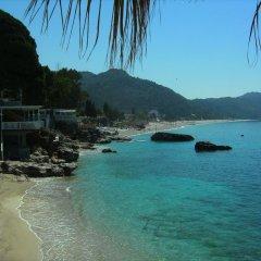 Royal Blue Hotel пляж