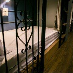 Silom Space Hostel Кровать в общем номере фото 5