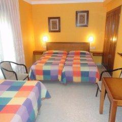 Отель Hostal Matazueras Стандартный номер с различными типами кроватей фото 3