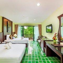 Отель Duangjitt Resort, Phuket 5* Улучшенный номер с 2 отдельными кроватями фото 3
