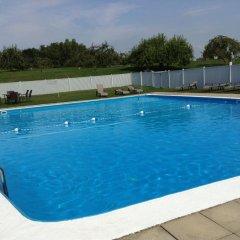 Отель Manoir dYouville бассейн фото 2