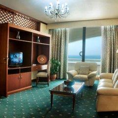 Отель Occidental Sharjah Grand 4* Стандартный номер с различными типами кроватей фото 4