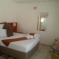Отель Broadhurst Inn Габороне комната для гостей фото 2