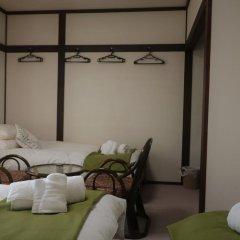 Отель Resort Inn White Silver Хакуба сейф в номере