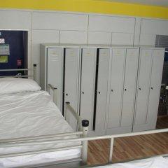 Отель Generator Berlin Prenzlauer Berg Кровать в общем номере с двухъярусной кроватью фото 8