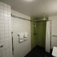 Отель Berling Apartments Швеция, Карлстад - отзывы, цены и фото номеров - забронировать отель Berling Apartments онлайн ванная