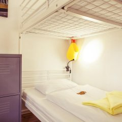Lisbon Chillout Hostel Кровать в общем номере фото 29