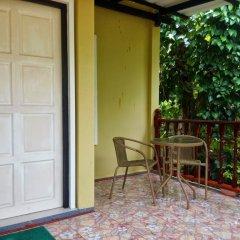 Отель Bangtao Local House Rental балкон