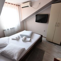 Апартаменты Apartments & Accommodation Stojic Нови Сад комната для гостей фото 3