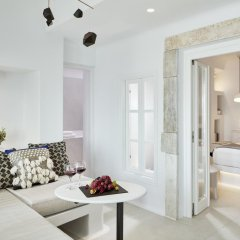 Отель Cosmopolitan Suites 4* Люкс с различными типами кроватей фото 4