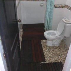 Отель Good Friend Guest House Phuket ванная