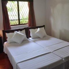 Отель Blue Lagoon Resorts Хиккадува комната для гостей