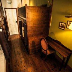 Home Lisbon Hostel Кровать в женском общем номере с двухъярусной кроватью фото 5