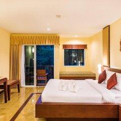 Отель Duangjitt Resort, Phuket 5* Номер Делюкс с двуспальной кроватью фото 4