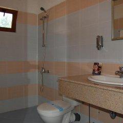 Отель Sinia Vir Eco Residence Болгария, Сливен - отзывы, цены и фото номеров - забронировать отель Sinia Vir Eco Residence онлайн ванная фото 2