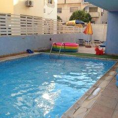 Отель Pasianna Hotel Apartments Кипр, Ларнака - 6 отзывов об отеле, цены и фото номеров - забронировать отель Pasianna Hotel Apartments онлайн бассейн фото 3