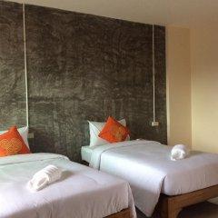 Отель Srisuksant Urban 3* Улучшенный номер с различными типами кроватей фото 7