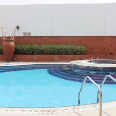 Отель Four Points by Sheraton Bur Dubai ОАЭ, Дубай - 1 отзыв об отеле, цены и фото номеров - забронировать отель Four Points by Sheraton Bur Dubai онлайн бассейн фото 3