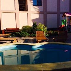 Гостиница Guest House Shokolad в Ольгинке отзывы, цены и фото номеров - забронировать гостиницу Guest House Shokolad онлайн Ольгинка бассейн фото 2