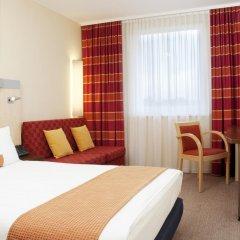Отель Holiday Inn Express Munich Airport 3* Стандартный семейный номер с двуспальной кроватью фото 4